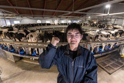 酪農牧場スタッフ